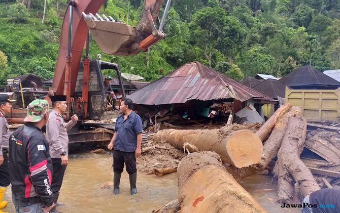 Banjir dan Longsor Terjang Mandailing Natal, 18 Tewas, 10 Masih Hilang