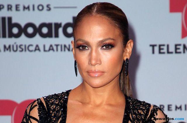 Bintang Hollywood ini Tetap Eksis dan Menawan di Usia Tua