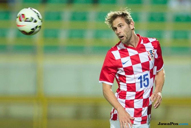 Bursa Transfer pemain, AC Milan, Ivan Strinic, Pepe Reina