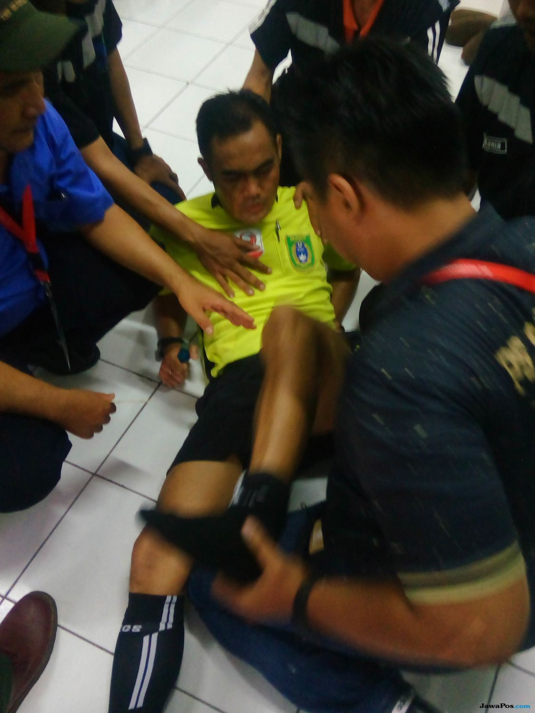 Empat Wasit Tamat, Buntut Kontroversi pada Laga PSS vs Madura FC