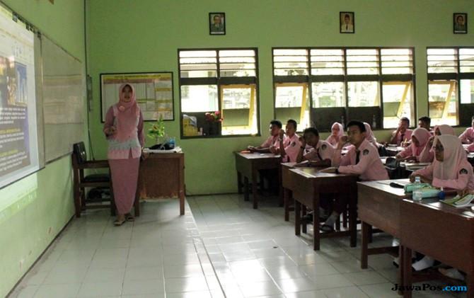 Guru Garis Depan Bisa Batal Jadi PNS, Kalau Begini