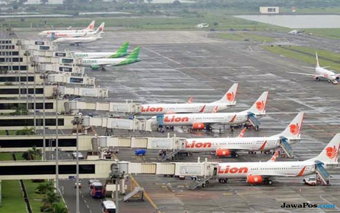 Hanya Mengenakan Bra, Dua WNA Batal Terbang ke Surabaya