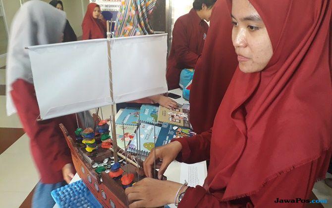 Healing Theraphy, UM Surabaya Kirim Mainan ke Lombok