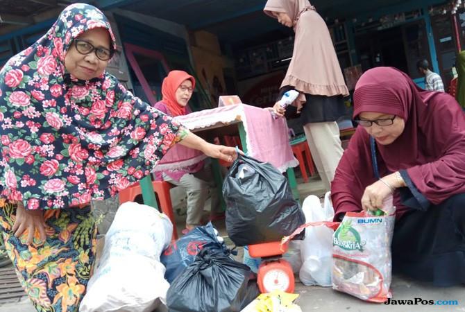 Jaga Lingkungan, Syalfitri Gagas Sekolah Berbiaya Sampah