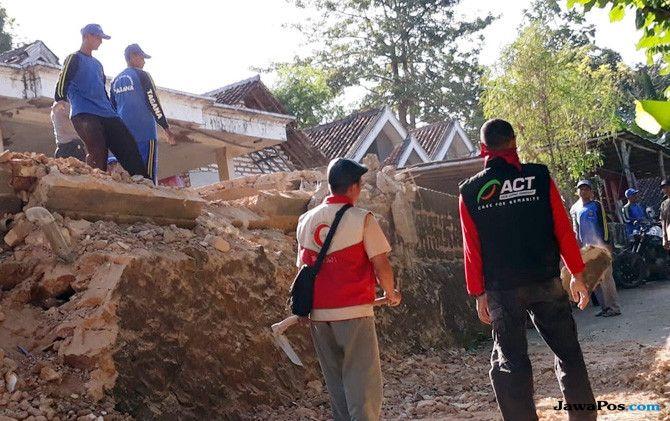 Jelang Lebaran, ACT Obati Tangisan Korban Gempa Sumenep