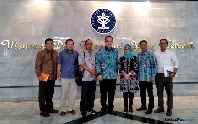 Arnita dan Rektor IPB