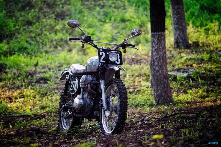 Kawasaki W800 Retro Klasik Berubah Jadi Motor Scrambler Penjelajah