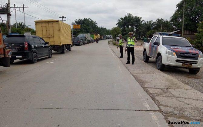 Kemacetan Sepanjang 15 Km Terjadi di Jalan Lintas Duri-Pekanbaru