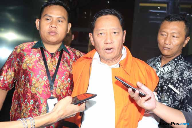 Kemenangan AHM di Pilgub Maluku Utara Dibayar Dengan Penahanan di KPK