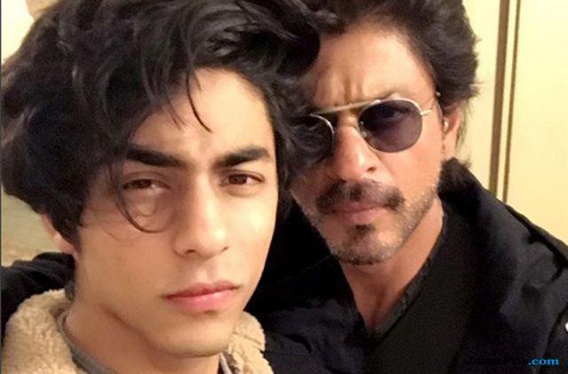 Ketahuan Mencium Wanita, Shahrukh Khan akan Lakukan Ini pada Aryan