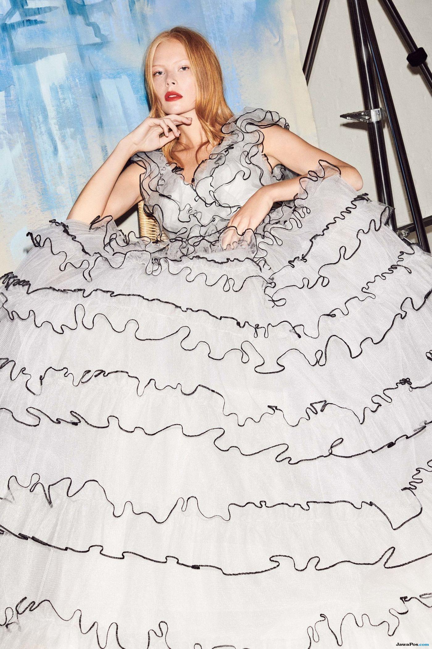 LFW 2019 : Rancangan Gaun Baju Tidur oleh Desainer Packham