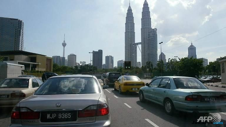 malaysia, mengemudi, kecelakaan,