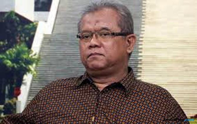 Minta Boediono Tersangka Century, Pengamat: Pengadilan Lebihi Batas