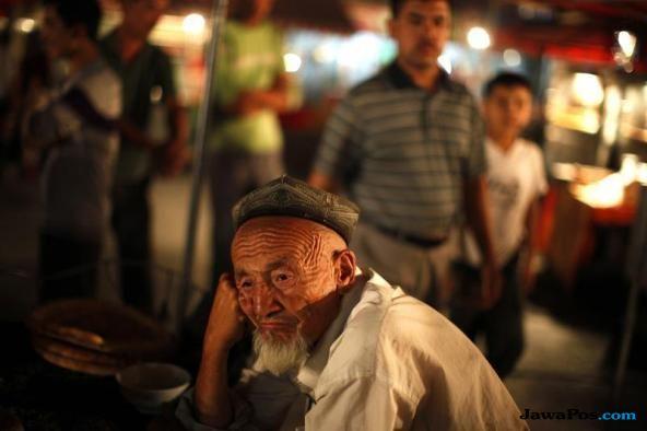muslim uighur, uighur, xinjiang, tiongkok,