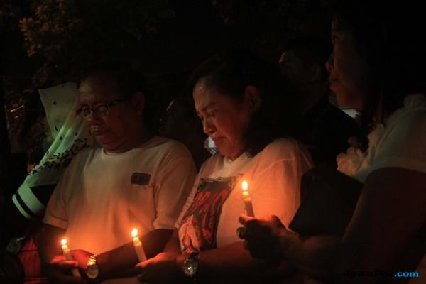 Pasang Lilin Tanda Belasungkawa, Warga Sumut: Kami Tidak Takut Teroris