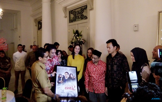 Pemain Film Ayat-ayat Cinta 2 Undang Anies-Sandi ke Gala Premiere