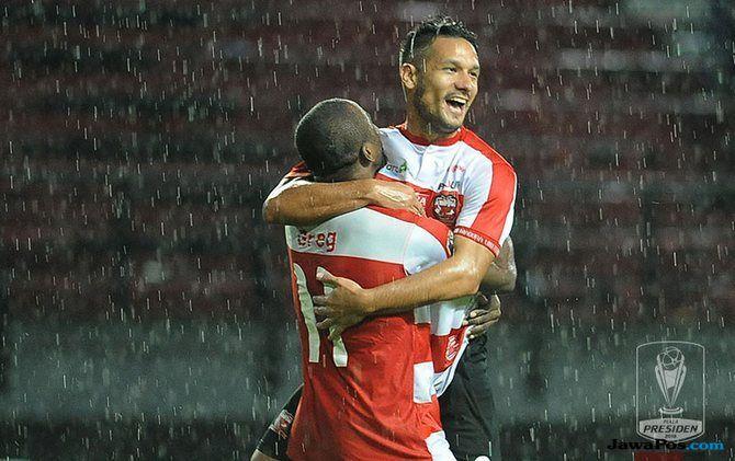 Persebaya Surabaya, Raphael Maitimo, Madura United, Liga 1 2018,