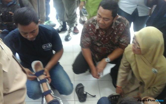 Wali Kota Semarang Hendrar Prihadi serahkan bantuan kaki palsu