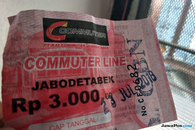 Penumpang KRL Sudah Tidak Lagi Gunakan Tiket Kertas