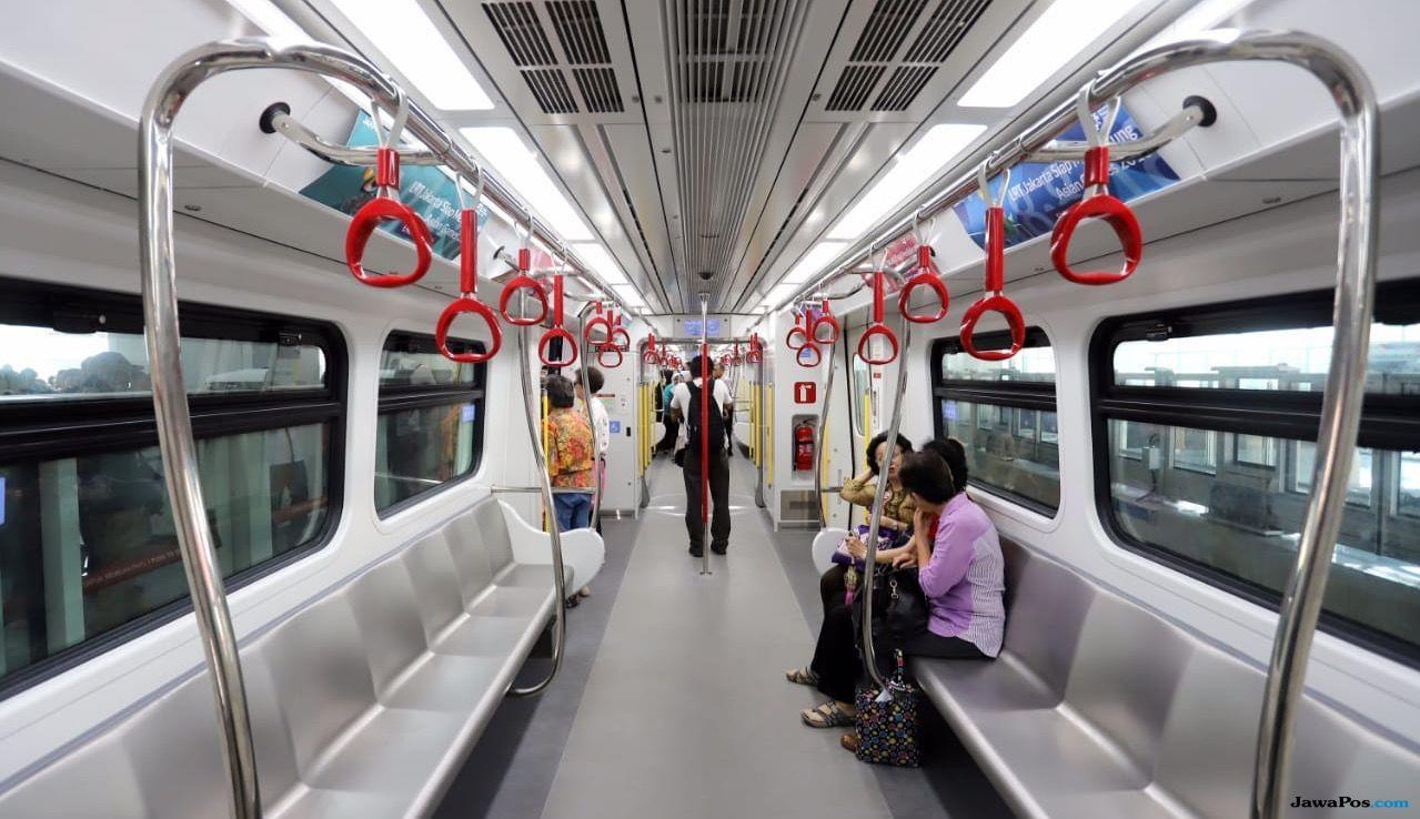 Perdana Coba LRT, Anies Kritisi Guncangan Saat Belokan