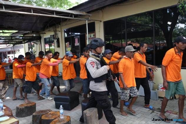 Polisi Kembali Tangkap 42 Orang Pelaku Penjarahan di Palu