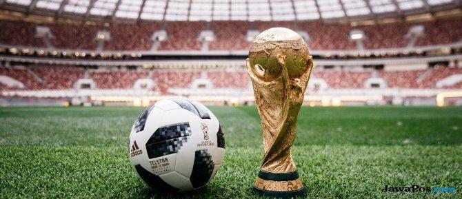 Protes Putin, Pussy Riot Ganggu Final Piala Dunia