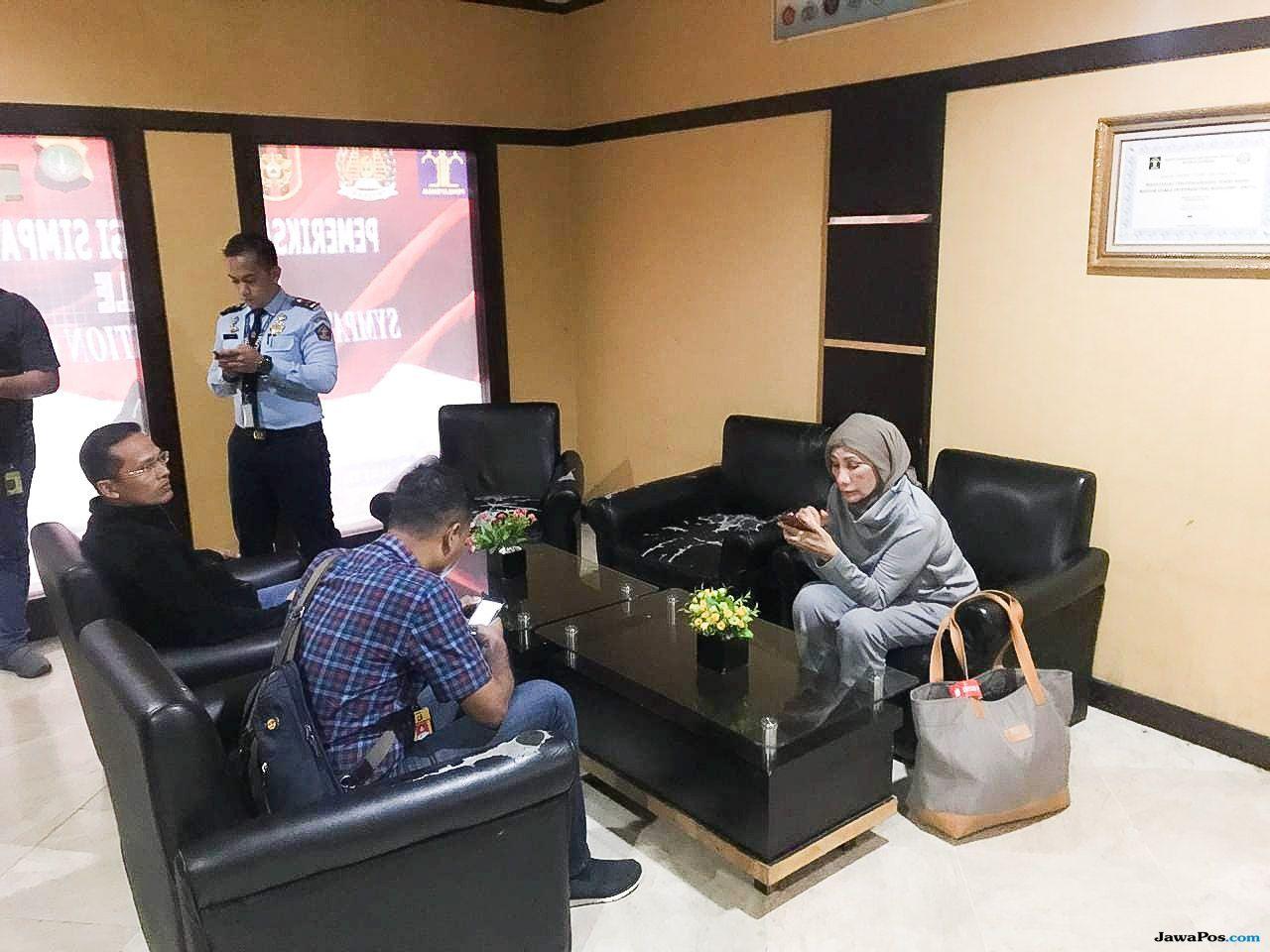 Ratna Sarumpaet Ditangkap di Bandara, Kata Sopirnya Mau Pergi ke Chile