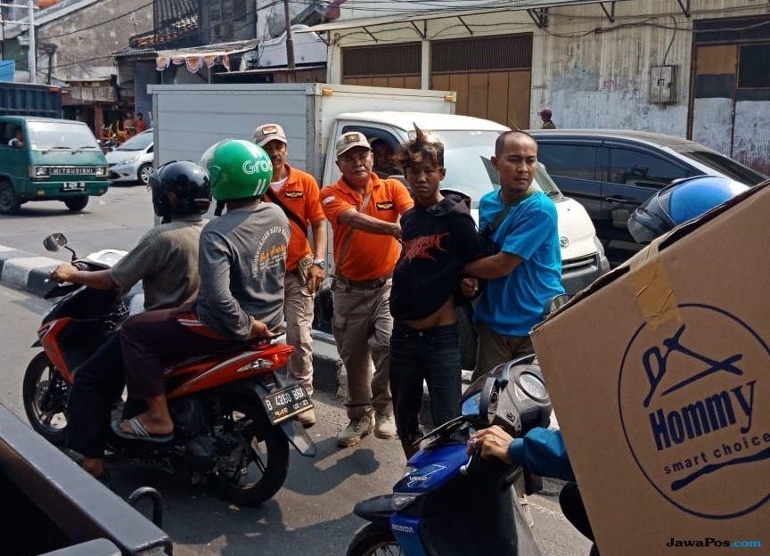 Resahkan Warga Tambora, 'Pak Ogah' dan Anak Punk Diamankan Satpol PP