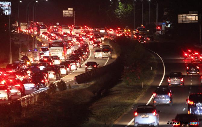 Rest Area Jadi Pemicu Kemacetan di Jalan Tol, Moeldoko Kritik BPJT