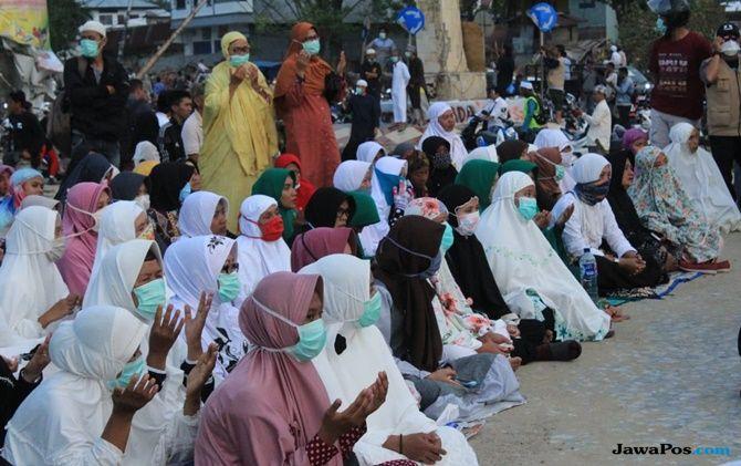 Ribuan Korban yang Selamat dari Tsunami Zikir Akbar di Anjungan Talise