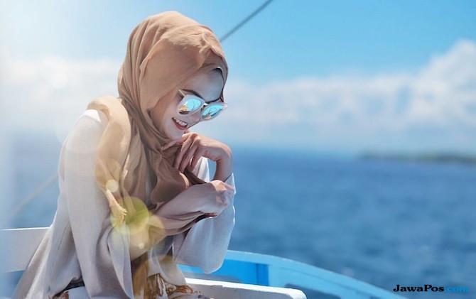 Alasan Rina Nose Buka Hijab