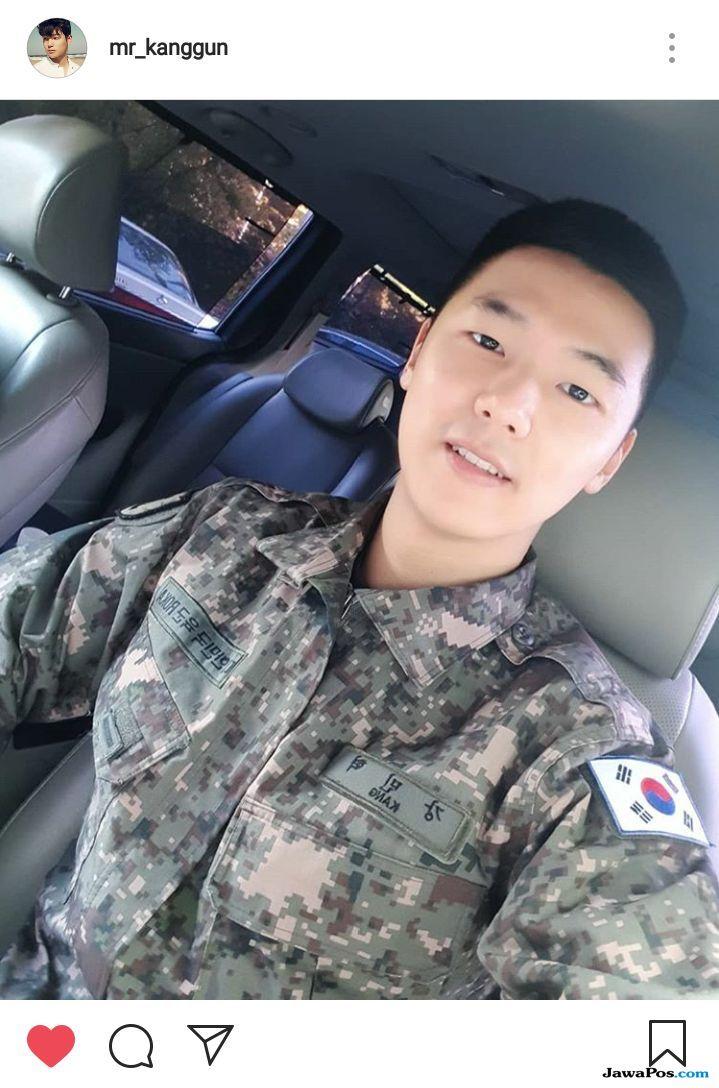 Sapa Penggemar, Minhyuk 'CNBLUE' Sampaikan Telah Terima Penghargaan