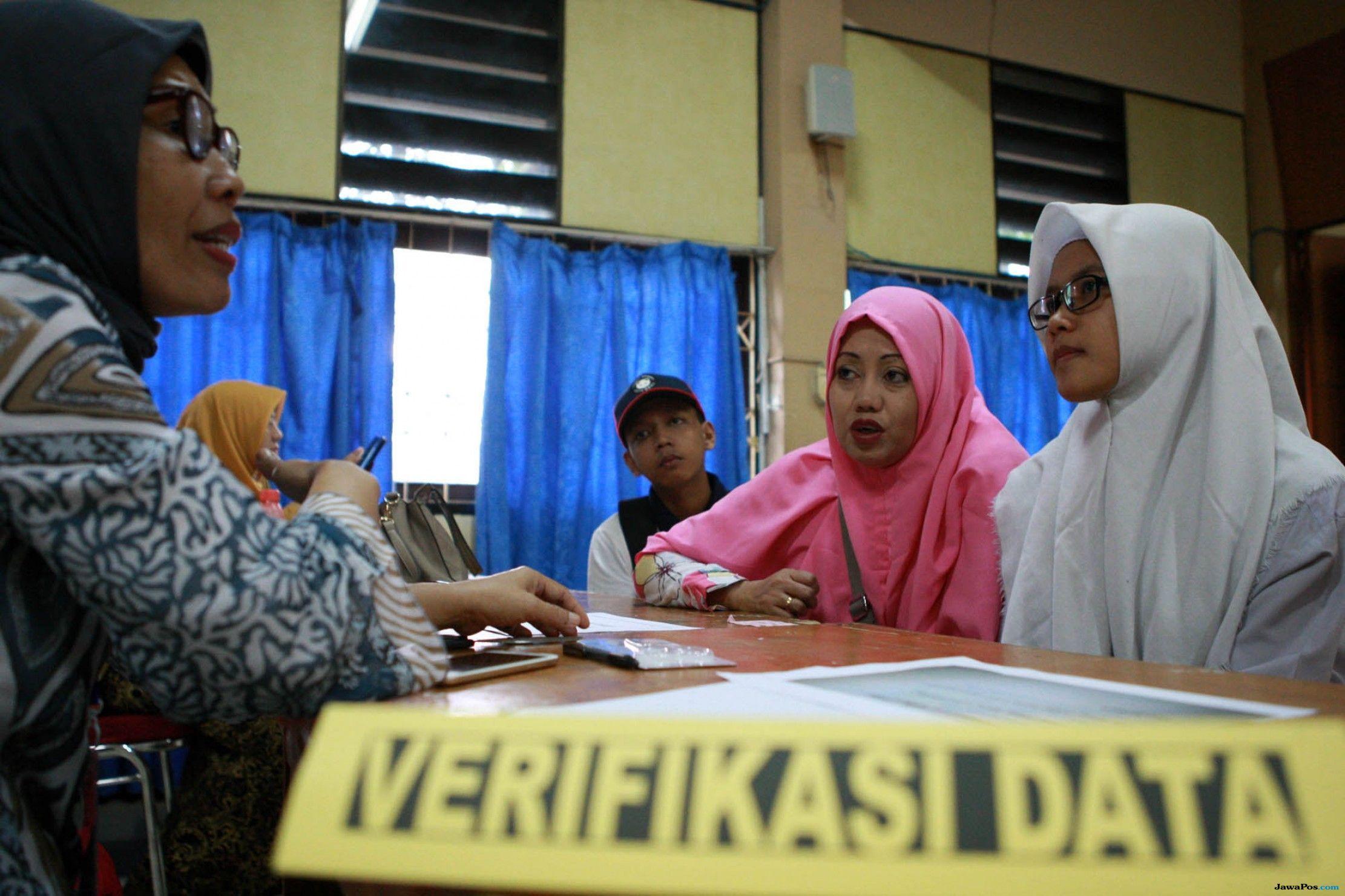 Separuh Siswa yang Diterima di SMKN 4 Semarang Gunakan SKTM
