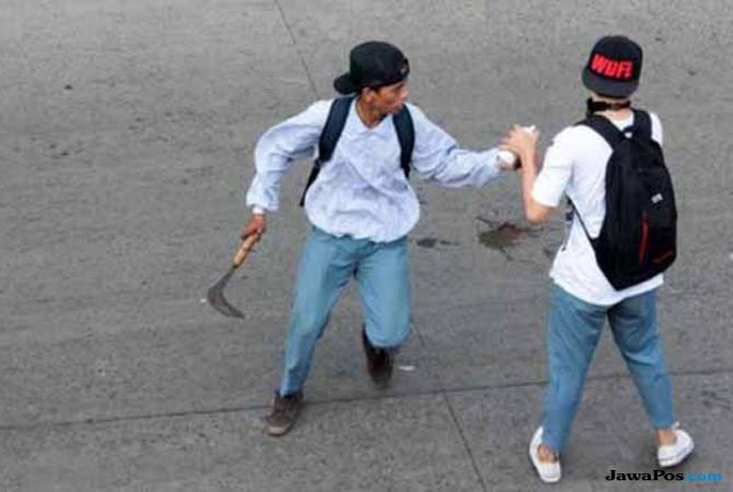 Tawuran Pelajar Semakin Mengerikan, Anak Panah Menancap di Kepala