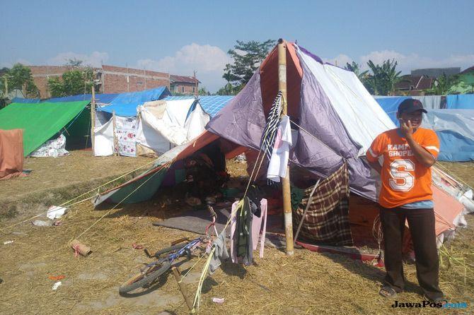 Tenda Kami Tiris, Tengah Malam Bayi Saya Selalu Menangis