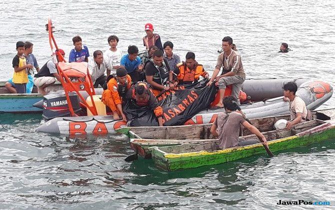 Tim penyelam SAR Temukan Korban KM Ramos yang Hilang