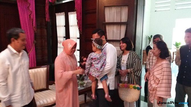 Tradisi Open House, Risma Bersyukur Surabaya Kondusif Saat Lebaran