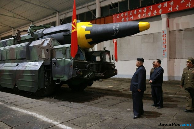 Warga Korsel Ramai-ramai Bakar Foto Kim Jong Un, Ada Apa?