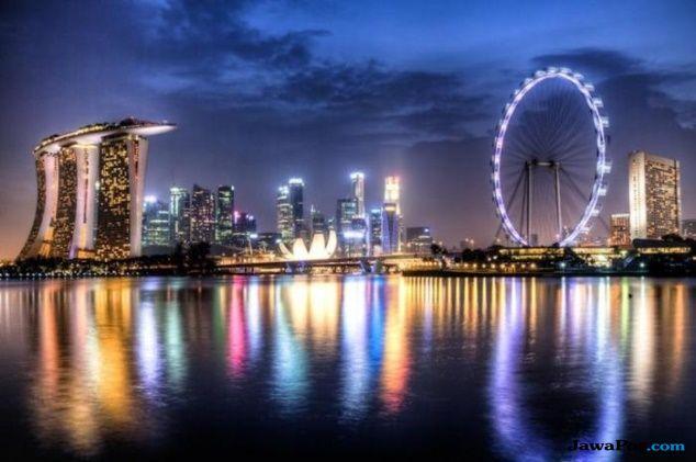 Wow, Singapura Operasikan Taksi Listrik