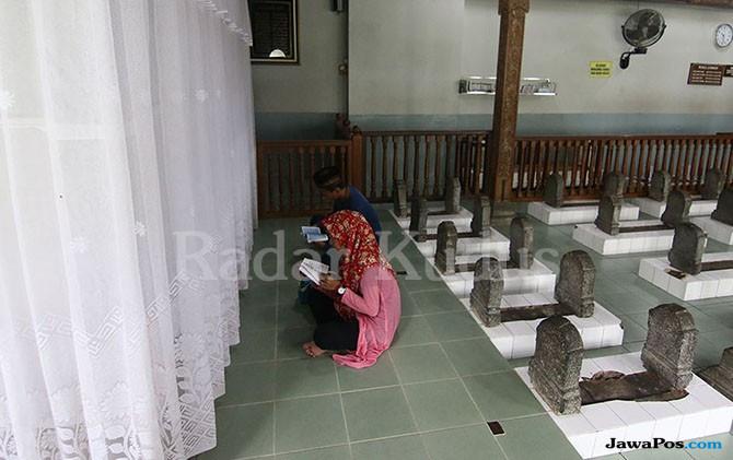 Yuk Wisata Religi ke Kompleks Makam dan Masjid Sunan Muria