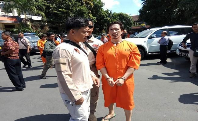 Keris, Ketut ismaya, ormas, lawan tugas pejabat, Polresta Denpasar, Mako Brimob, Calon DPD RI