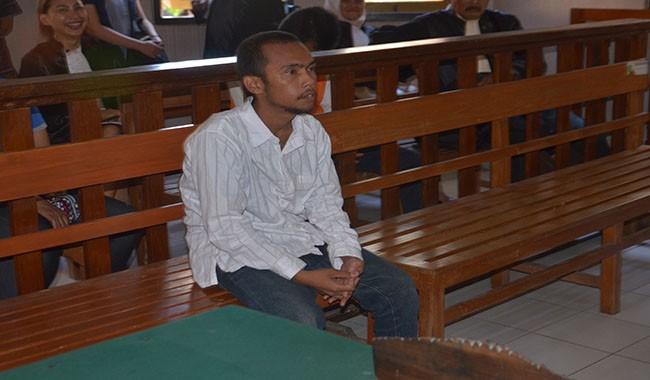 yosua nassa, pn denpasar, terdakwa pencurian