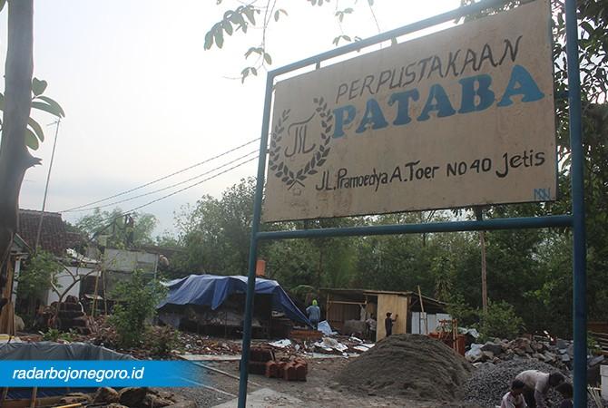 PROSES RENOVASI : Proses renovasi rumah masa kecil Pram, akan selesai sampai Desember.