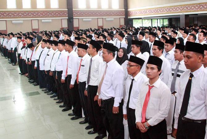 RESMI: Suasana pelantikan PPK dan PPS untuk pileg dan Pilpres 2019 di Kabupaten Probolinggo.
