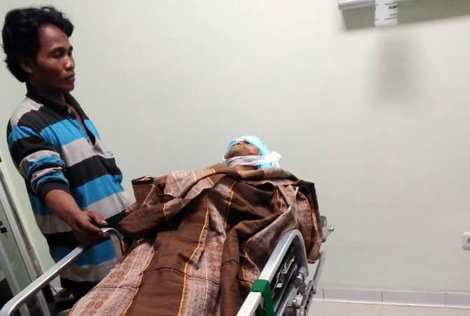 NAHAS: Sudar ketika berada di RS Grati, Selasa (30/10) malam. Ia kemudian tewas karena luka parah di kepalanya akibat dilempar bondet.