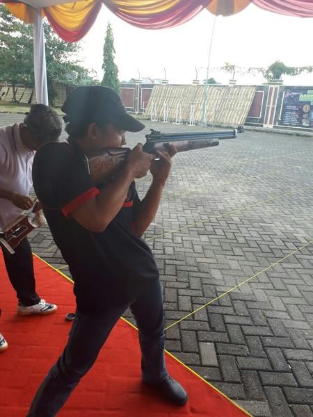 BUKAN JOMBANG: Penembak ini dipersiapkan untuk Kejurda Kediri.