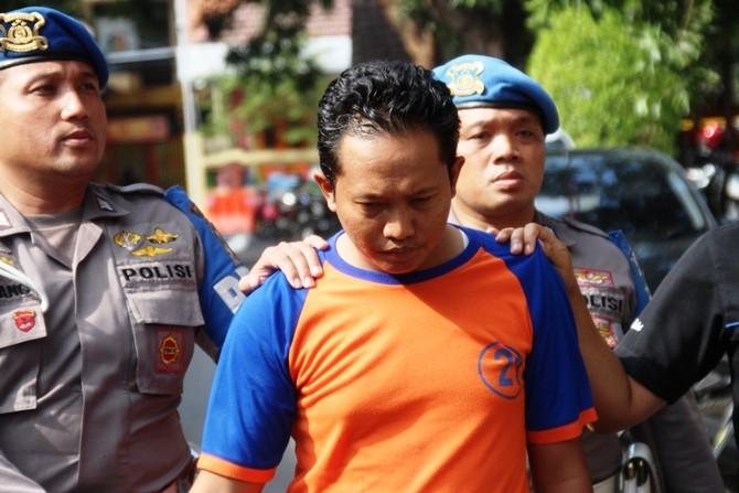 Kustiawan Hanan Sugiarto, oknum PNS guru SDN di Kecamatan Sumobito yang ditahan Polres Jombang dalam kasus asusila