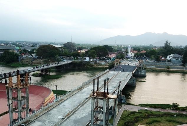 korupsi jembatan brawijaya kediri - radar kediri