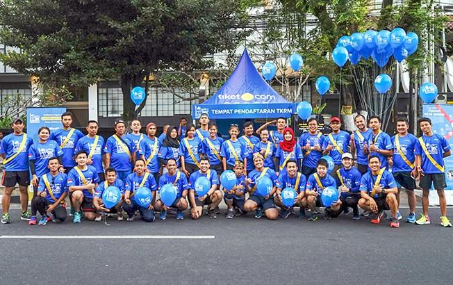 YUK LARI: TimRoadTo TKRM(Tiket.com Kudus Relay Marathon)saat membuka pendaftaran offline di arena CFD Mangkubumi, Jogjakarta, Minggu (2/9) kemarin.