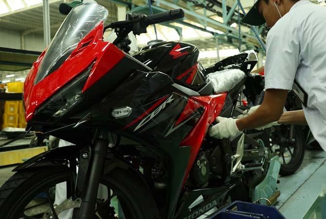 KEREN: New Honda CBR150R hadir dengan penambahan fitur terbaik dan penyegaran tampilan desain dan warna